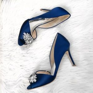 NEW BADGLEY MISCHKA Hansen Blue Crystal Pumps